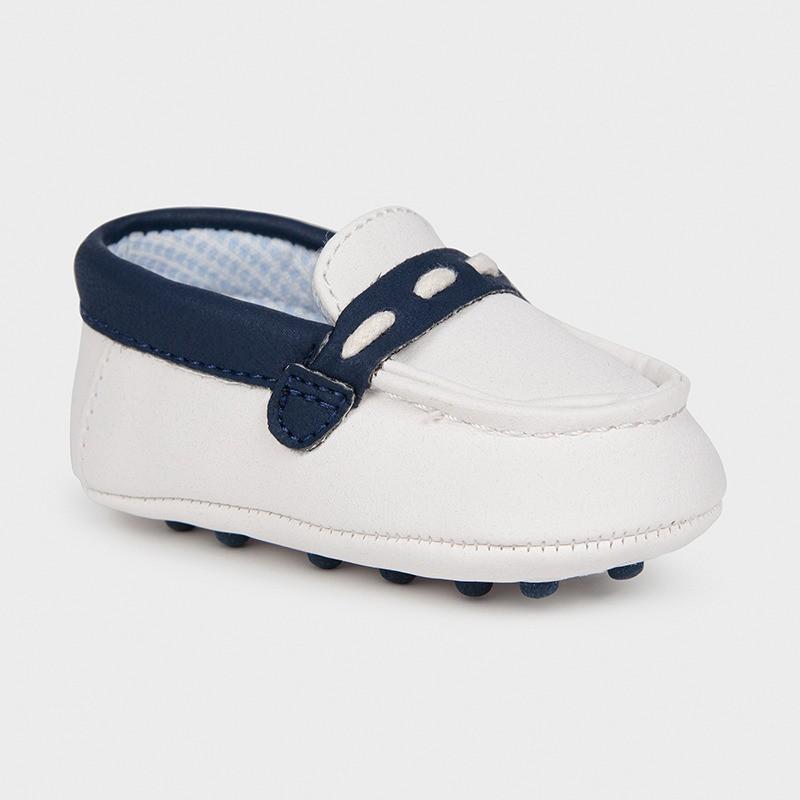 Mokasyny dla chłopczyka Mayoral 9394-69 Biały