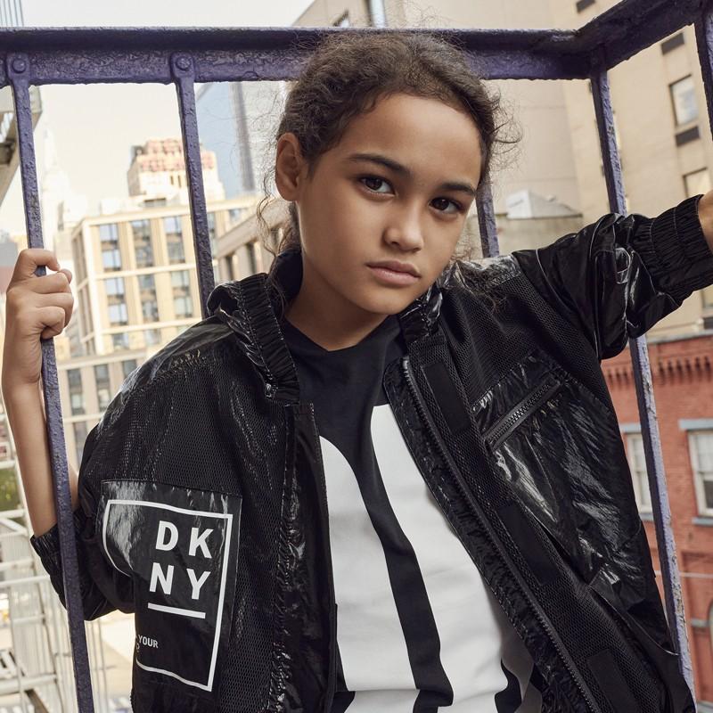 Kurtka przejściowa dziewczęca DKNY D36639-09B kolor czarny