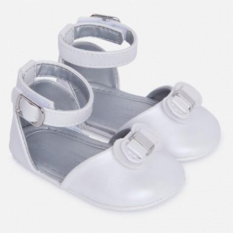 Mayoral 9503-11 Sandałki zapinane wokół kostk kolor Biały