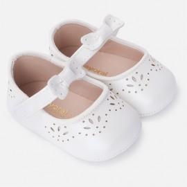 Mayoral 9814-47 Buciki dziewczęce dziurkowane dla niemowlaka kolor Krem