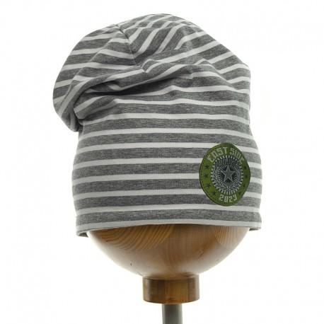 Krochetta czapka chłopięca przejściowa w szare paski 89-462