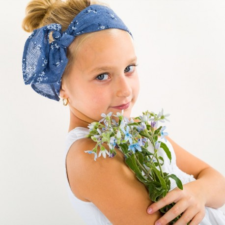 Chustka dziewczęca trójkąt na lato niebieska Pupill CECIL