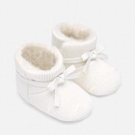 Botki trykotowe niemowlęce na rzep dla dziewczynki Mayoral 9218-32 Kremowy