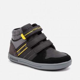 Buty przejściowe na trzy rzepy dla chłopaka Mayoral 46097-53 Czarny